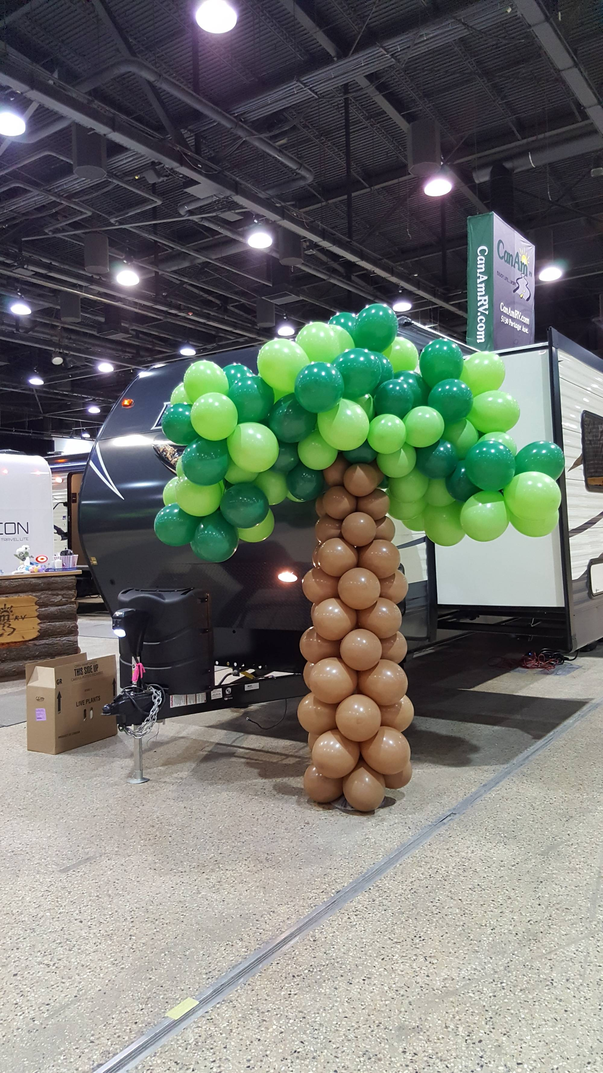 Giant Balloon Tree by Balloon Empire