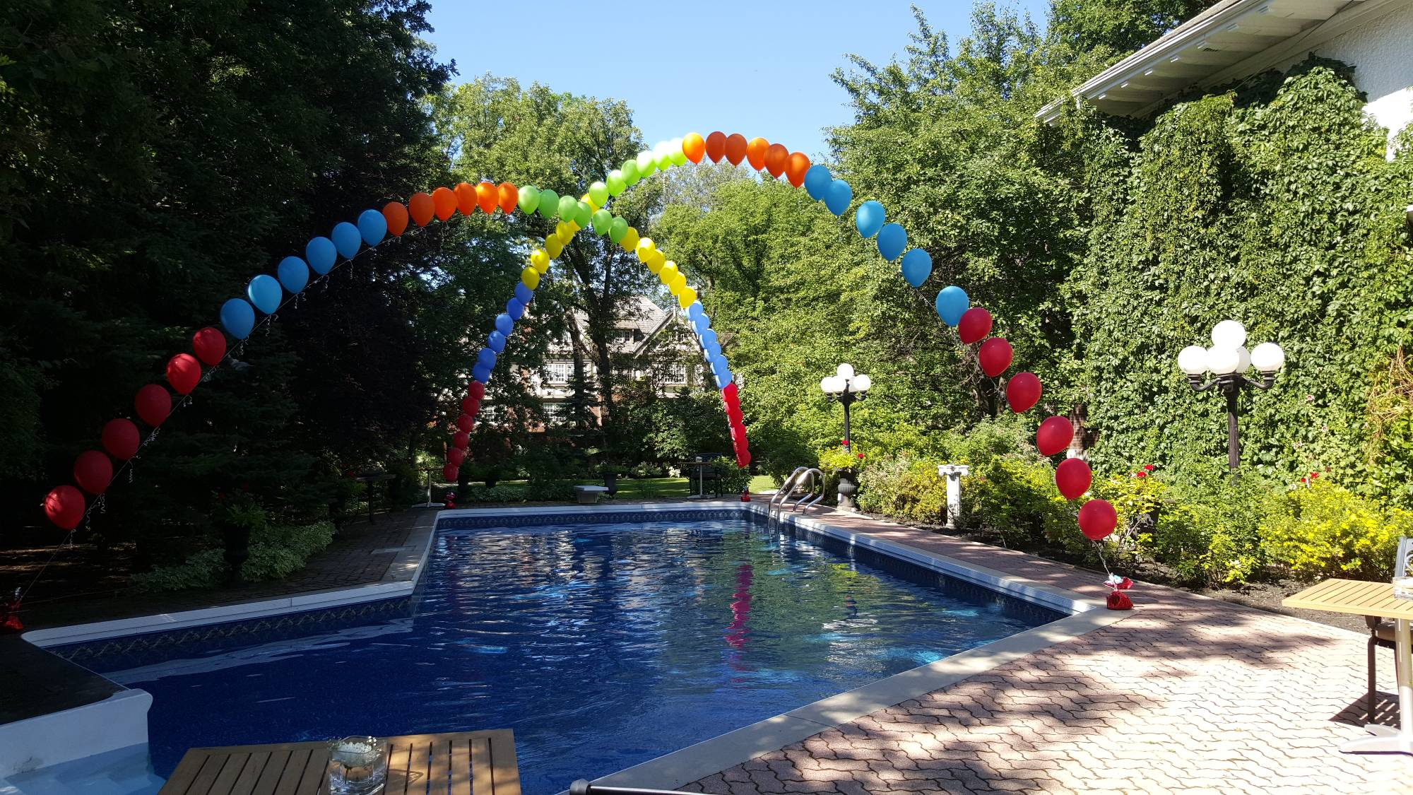 Outdoor Chris Cross Archway by Balloon Empire